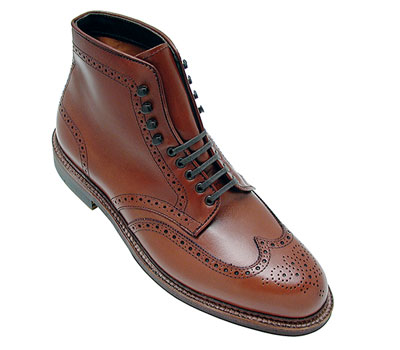 Wing Tip Boot